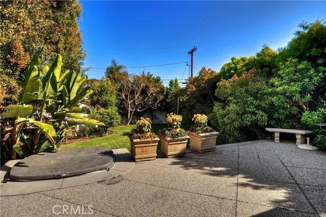 211 W Avenida Valencia, San Clemente CA: http://media.crmls.org/medias/3dd4d57d-75b0-47c0-a4be-f6347b8ccf53.jpg