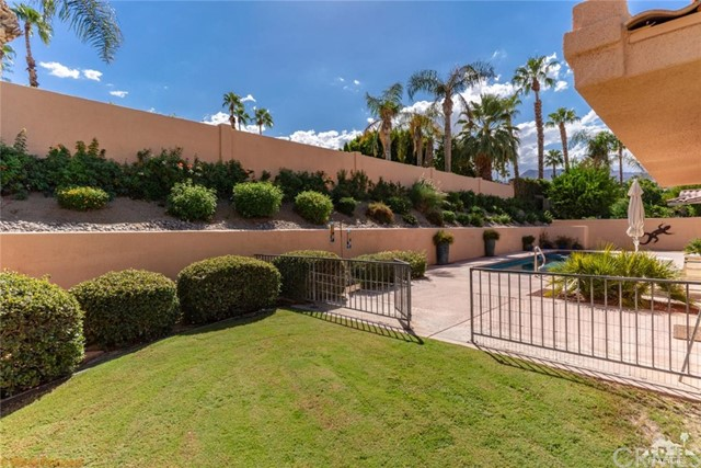 73181 Skyward Way, Palm Desert CA: http://media.crmls.org/medias/3dd876f1-3419-4110-8026-c59ec90ab2c5.jpg