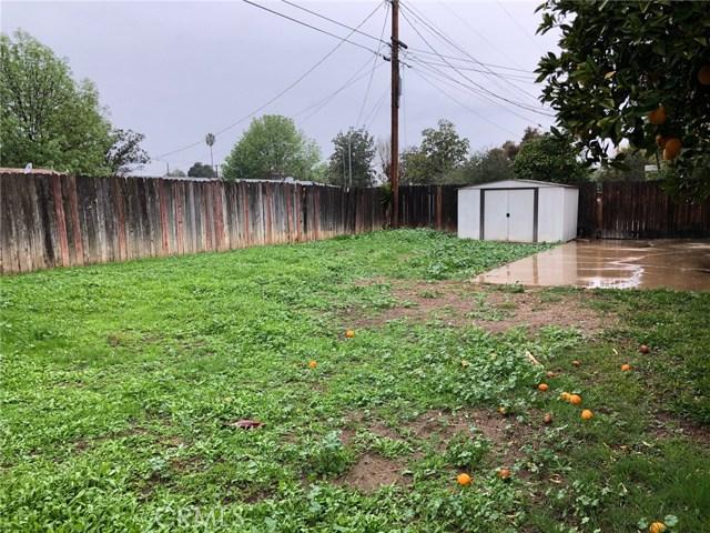3982 Overland Street, Riverside CA: http://media.crmls.org/medias/3dd8f9b4-99e5-4be0-b728-d38f7af960b0.jpg