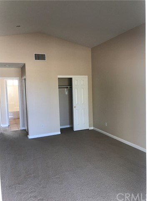 57250 Jarana Court, Yucca Valley CA: http://media.crmls.org/medias/3ddbf69d-87d1-4eb6-815b-1ba47f7db489.jpg