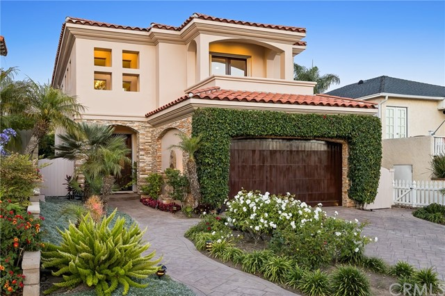 Photo of 556 S Helberta Avenue, Redondo Beach, CA 90277