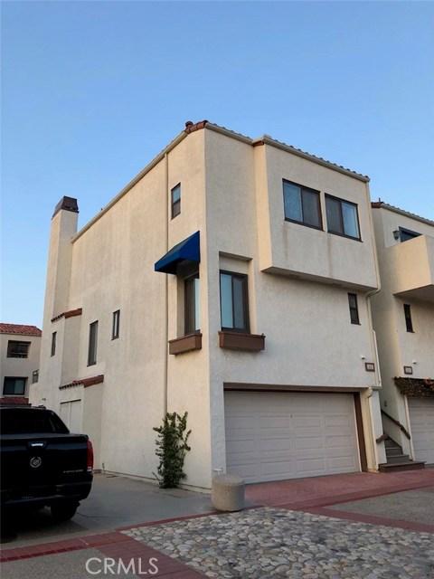 3231 Francois Drive, Huntington Beach CA: http://media.crmls.org/medias/3df05e2f-1fc2-42cc-bb41-fd7afd298ce2.jpg