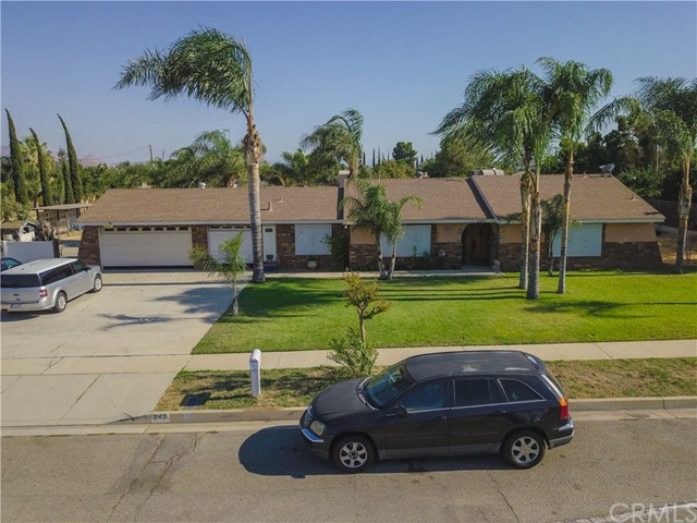 243 W Randall Ave, Rialto, CA 92376
