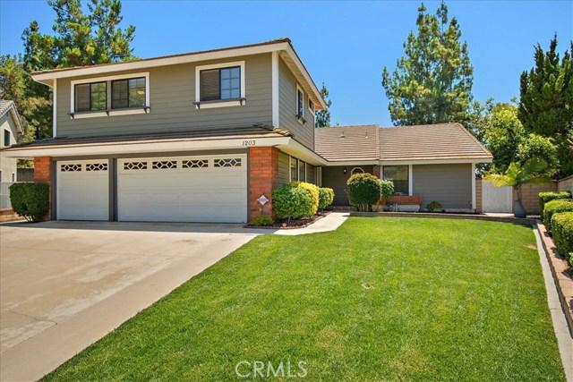 1203 Duke Lane, Walnut CA: http://media.crmls.org/medias/3dff4310-a7db-4f44-a8d2-6a174fe1375d.jpg