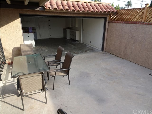 2474 Maine Avenue, Long Beach CA: http://media.crmls.org/medias/3e01339e-34fe-4b2c-ba12-aae8a6519e34.jpg