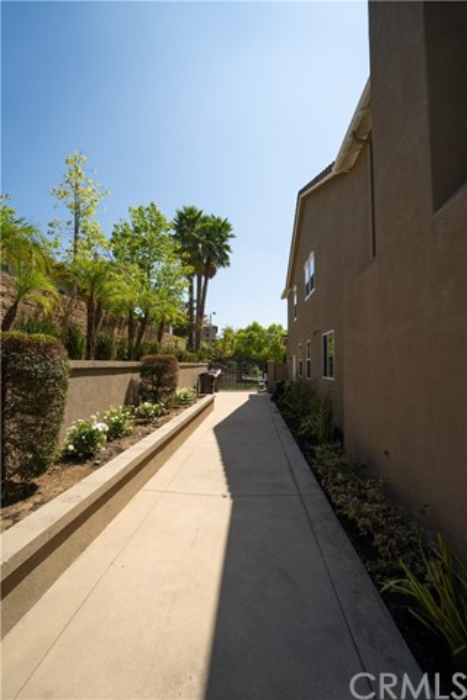 419 Tangerine Place, Brea CA: http://media.crmls.org/medias/3e03813b-207b-47e4-8751-9b4332b0f4b6.jpg