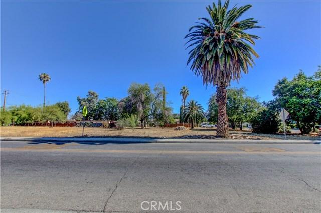 920 E Latham Avenue, Hemet CA: http://media.crmls.org/medias/3e08fd00-972d-4087-a33c-09932af7f48a.jpg