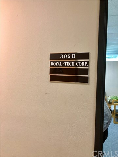 1111 Corporate Center Drive, Monterey Park CA: http://media.crmls.org/medias/3e0d7cc7-0bf2-4219-a6a4-6f6c5f6a3512.jpg