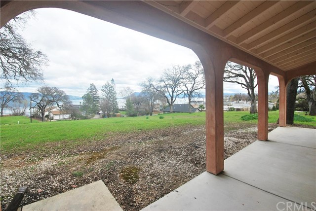 4445 Lakeshore Boulevard, Lakeport CA: http://media.crmls.org/medias/3e23c3a7-ae48-4705-8dc5-872ba6e1f4dd.jpg