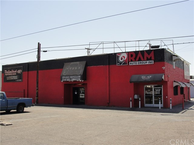 Retail for Sale at 26 W 5th Street Calexico, California 92231 United States