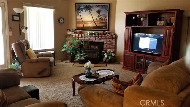 11170 Redwood Avenue, Hesperia CA: http://media.crmls.org/medias/3e3297fb-01ba-4512-977e-122e4edc57d7.jpg