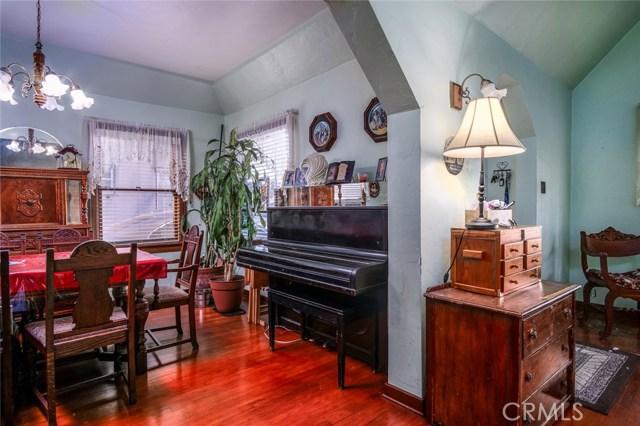 1144 S Parton Street, Santa Ana CA: http://media.crmls.org/medias/3e491137-7328-4ae5-ad90-c6d4379c465d.jpg