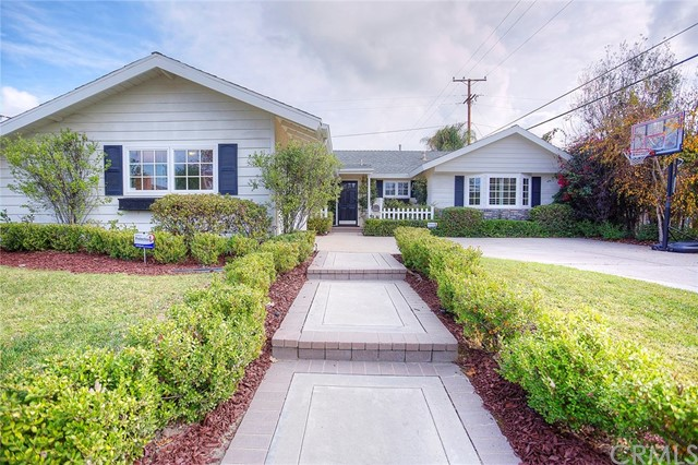Single Family Home for Sale at 12042 Weatherby Rossmoor, California 90720 United States
