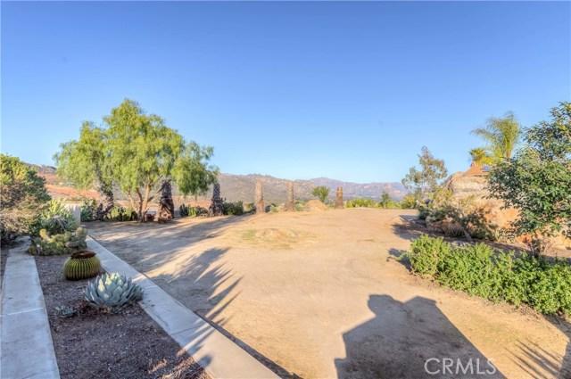 764 Rainbow Hills Road, Fallbrook CA: http://media.crmls.org/medias/3e518c27-f421-4e5e-9786-c62e71ed4111.jpg