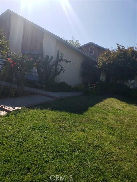 13815 Pheasant Knoll Lane, Moreno Valley CA: http://media.crmls.org/medias/3e587135-362a-484c-ad82-a875b8f0da0a.jpg