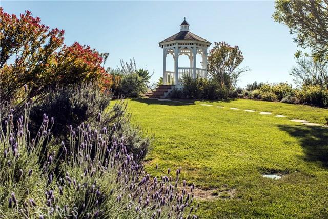 4 Summit, Irvine CA: http://media.crmls.org/medias/3e70afcd-4be1-4bcf-ba6c-b74be5d2f009.jpg