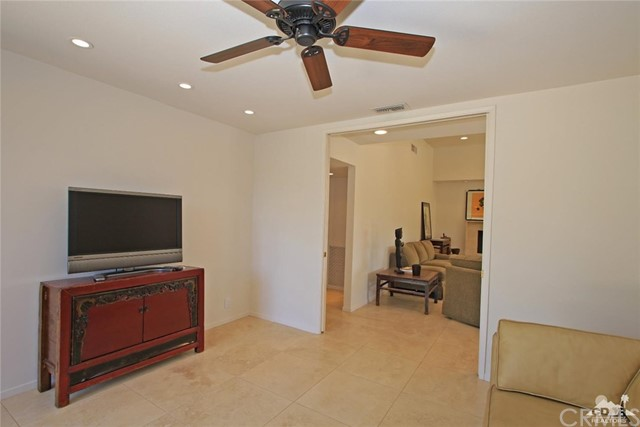 1350 Marion Way, Palm Springs CA: http://media.crmls.org/medias/3e7684ec-0692-4804-9df2-dc696813ecb9.jpg