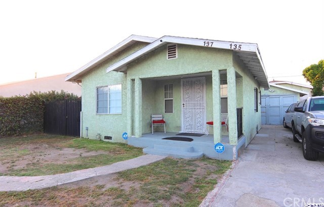 135 W 87th Place  Los Angeles CA 90003