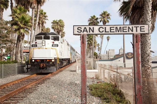 222 W Mariposa, San Clemente CA: http://media.crmls.org/medias/3e7fcf51-4f01-4d93-91d1-f4b47be7fcec.jpg