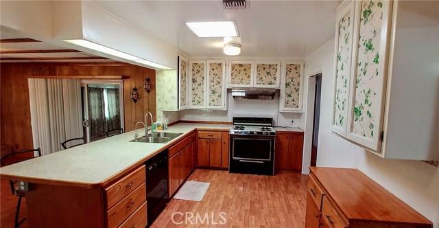 547 N Morada Avenue, West Covina CA: http://media.crmls.org/medias/3e8cda0d-8f35-4ecb-9e14-2b2dc6e14f94.jpg