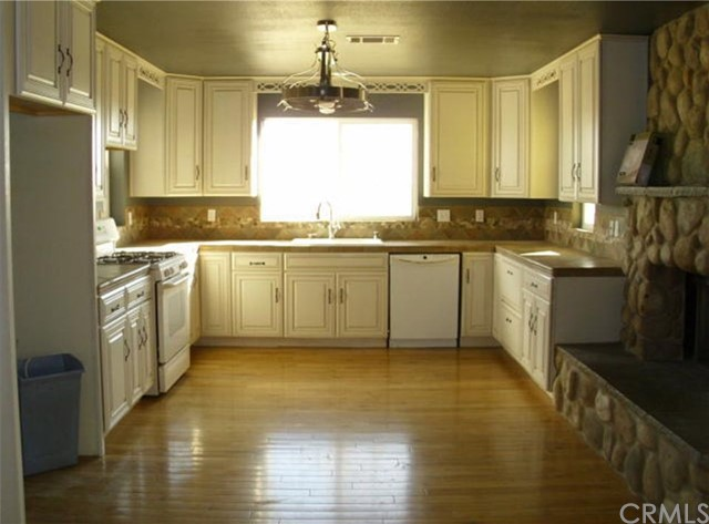 8049 W Avenue C6 Lancaster, CA 93536 - MLS #: BB18110419