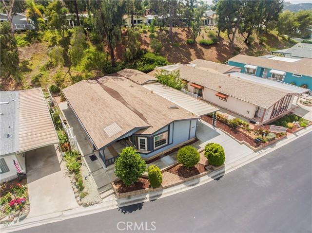 5423 Spencer Lane, Carlsbad CA: http://media.crmls.org/medias/3e94c2ab-7446-40bc-bbed-84dfb5916302.jpg