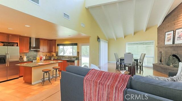9961 Bond Circle, Huntington Beach CA: http://media.crmls.org/medias/3e9a6bba-a798-4648-bda8-4c2aa532b3ae.jpg