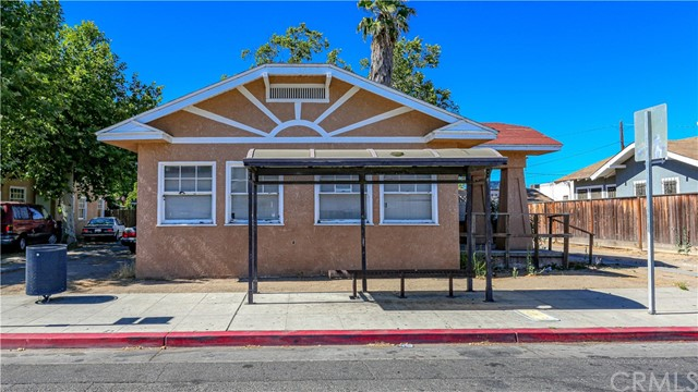 1625 E Olive Avenue, Fresno CA: http://media.crmls.org/medias/3eab1ceb-f6a3-4738-8fcc-9354e192b608.jpg