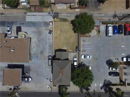 625 E Citrus Avenue, Redlands CA: http://media.crmls.org/medias/3eac8318-b75f-4a23-90fe-fafc01ce0057.jpg
