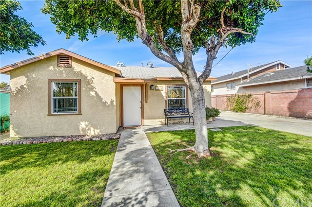 Single Family Home for Sale at 814 Gunther Street N Santa Ana, California 92703 United States