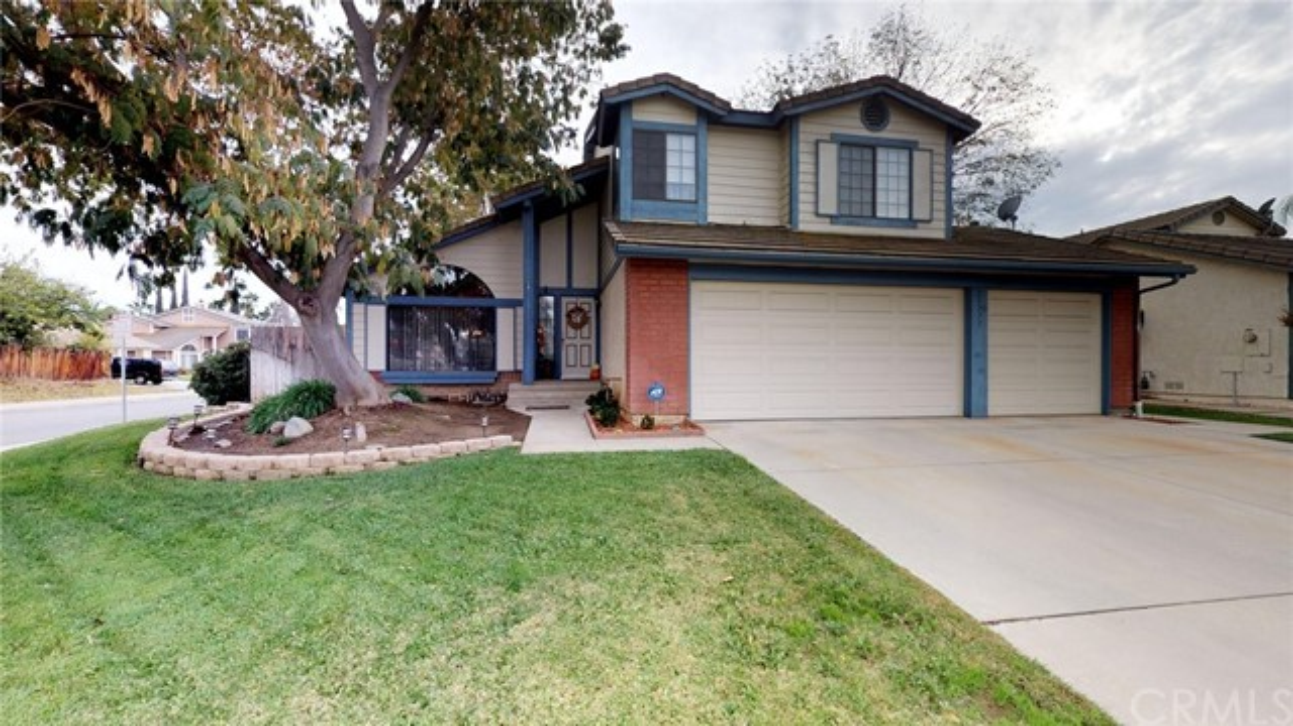 独户住宅 为 销售 在 25777 Timo Street Moreno Valley, 92553 美国