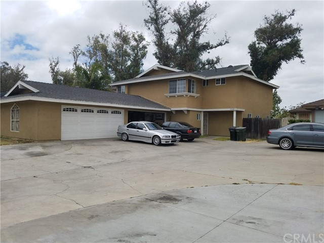 13541 Robyn Court Garden Grove, CA 92843 is listed for sale as MLS Listing PW17133254