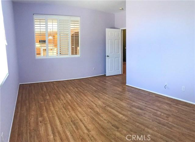 11801 Jamaica Street, Victorville CA: http://media.crmls.org/medias/3ed37a90-eeed-4da1-aba8-41de7c5222b0.jpg