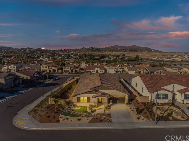 24216 BUCKSTONE LANE, MENIFEE, CA 92584  Photo 4