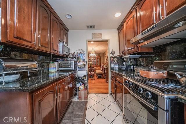 10871 Olinda Street, Sun Valley CA: http://media.crmls.org/medias/3eefd84b-9570-491e-ba35-7d3059e833bb.jpg