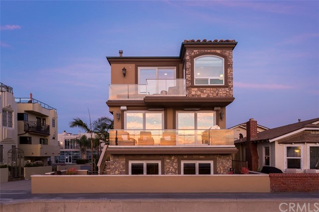 22 The Strand  Hermosa Beach CA 90254