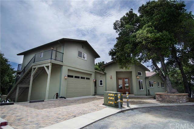 Casa Unifamiliar por un Venta en 8143 Smith Point Road Bradley, California 93426 Estados Unidos