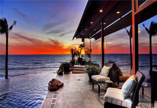 Single Family Home for Sale at 31921 Coast St Laguna Beach, California 92651 United States