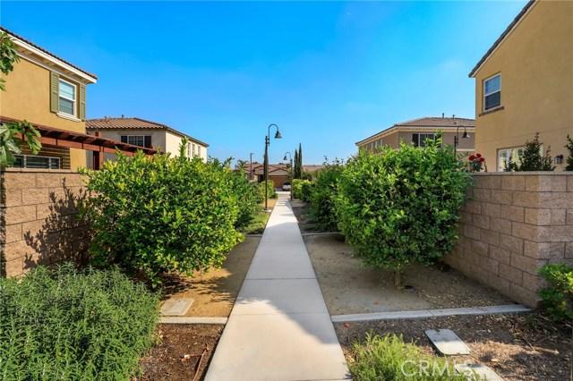 9363 Bistro Place, Rancho Cucamonga CA: http://media.crmls.org/medias/3eff0ed7-6110-43a8-ab61-ae8d95bb3a8f.jpg