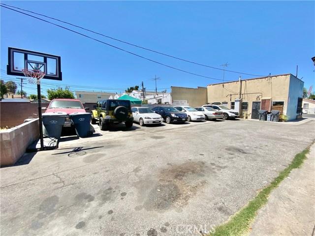 9300 California Avenue, South Gate CA: http://media.crmls.org/medias/3f014d5c-7b1e-4d95-b7d6-3012dbc6ed29.jpg