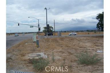 26566 3rd Street, Highland CA: http://media.crmls.org/medias/3f03b13c-19b9-4010-aad6-1da9f6c639b2.jpg