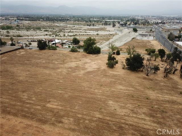 2226 Foothill Boulevard, San Bernardino CA: http://media.crmls.org/medias/3f1679f6-2913-48af-9a6c-60ce1c7f3bf2.jpg