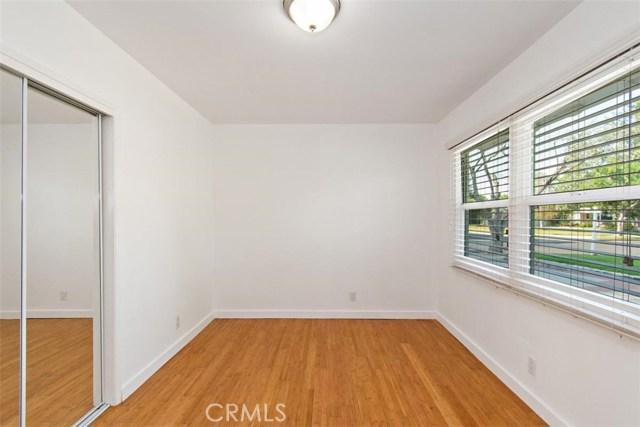 23100 Strathern Street, West Hills CA: http://media.crmls.org/medias/3f2985df-2ff3-4655-8c69-8ce3ebf94499.jpg