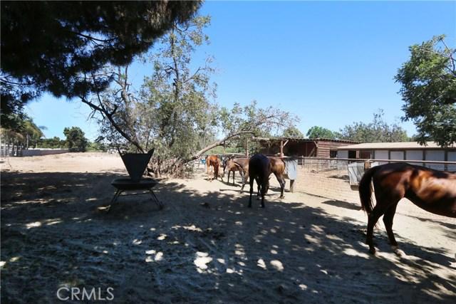 11626 Monte Vista Avenue, Chino CA: http://media.crmls.org/medias/3f4fca7e-8b70-4cf0-a7ce-d733e2af3613.jpg
