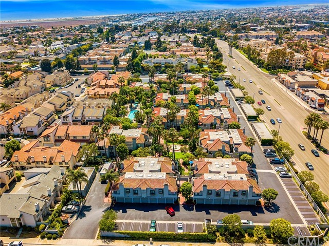 4852 Tiara Drive, Huntington Beach CA: http://media.crmls.org/medias/3f55996e-009f-4044-9214-e30b9eb01517.jpg
