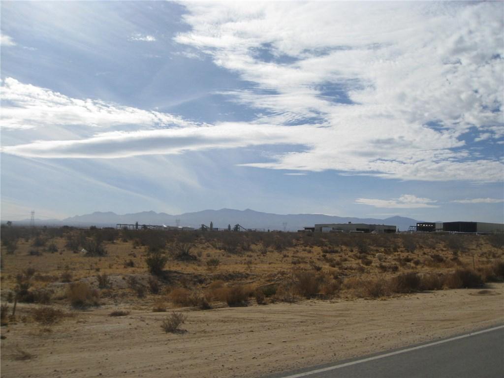 11111 Rancho, Adelanto CA: http://media.crmls.org/medias/3f5e8093-34eb-40f1-99a0-f39d6bea9988.jpg