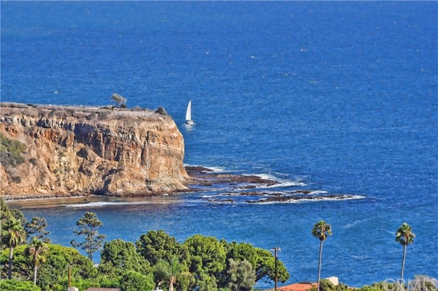 3 Nuvola Court, Rancho Palos Verdes CA: http://media.crmls.org/medias/3f65755d-8924-4956-963a-7c3c231b9e2c.jpg