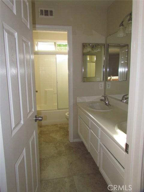 42205 57th W Street, Quartz Hill CA: http://media.crmls.org/medias/3f7549c0-9beb-4081-b0f6-53be2ebf8b1d.jpg