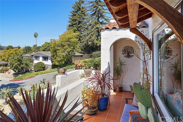 302 Buena Vista Avenue, San Luis Obispo CA: http://media.crmls.org/medias/3f85d948-021b-4aa8-b256-1fb5e5f277e4.jpg