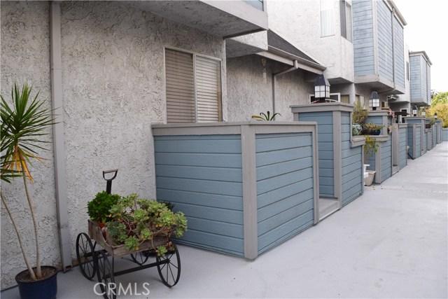 125 W South St, Anaheim, CA 92805 Photo 17